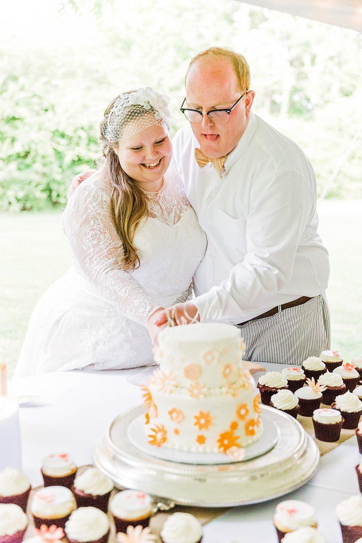 Wedding cake at Longstraw Farms wedding in Ayden, NC