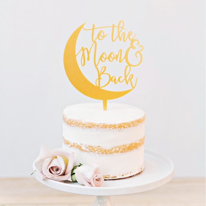 wedding-cakes-to-the-moon-and-back